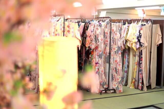 京都四条本店の店内写真3