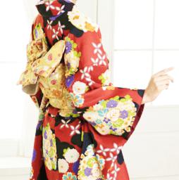 京あるきおすすめの人気着物は赤地