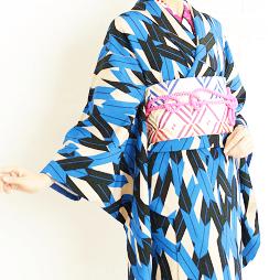 京都で青色の着物をレンタル