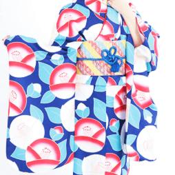 京あるきでレンタルできる青と赤の人気着物