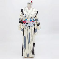 モノクロレトロなレンタル着物で京都の街を歩く
