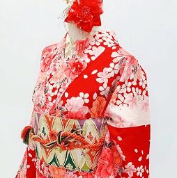 赤地が際立つ京都のレンタル着物