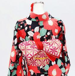 京都でレンタルできる赤椿の着物