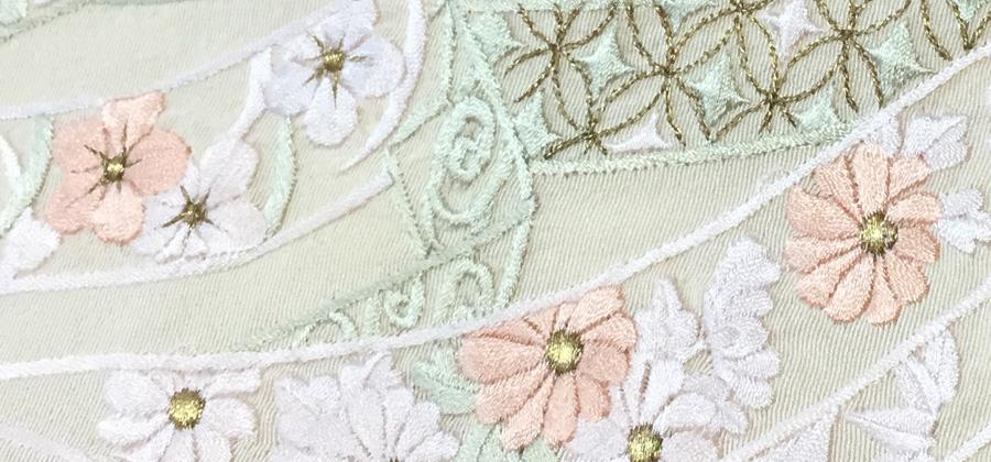 刺繍入りのレンタル着物
