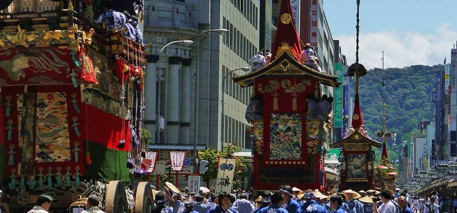 祇園祭は京あるきのレンタル浴衣で楽しみたい