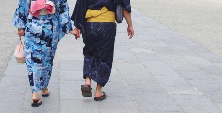 着物や浴衣でデートする時は歩き方にも注意して
