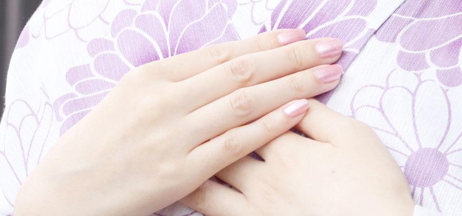 桜色のネイル